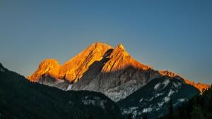 Abendsonne auf dem Gran Vernel Aus der Pension in Canazei fotografiert
