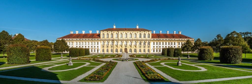 Schloss Schleißheim Panorama aus 4 Fotos Querformat und seitlich beschnitten