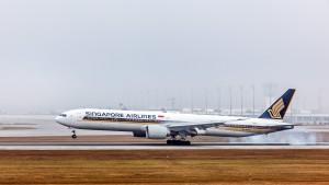 Boeing B777-312(ER) (9V-SWS) der Singapore Airlines am Flughafen München