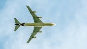 Boeing B747-4D7 (HS-TGX) der Thai Airways - Landeanflug München über 1500m Höhe