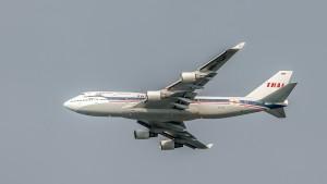 Boeing B747-4D7 (HS-TGP) der Thai Airways - Landeanflug München über 1500m Höhe