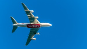 Airbus A380-861 (A6-EEH) der Emirates im Landeanflug