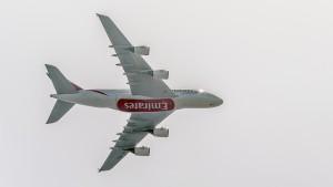 Airbus A380-861 (A6-EEC) der Emirates im Landeanflug