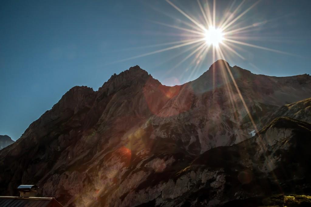 Morgensonne über den Tajaköpfen