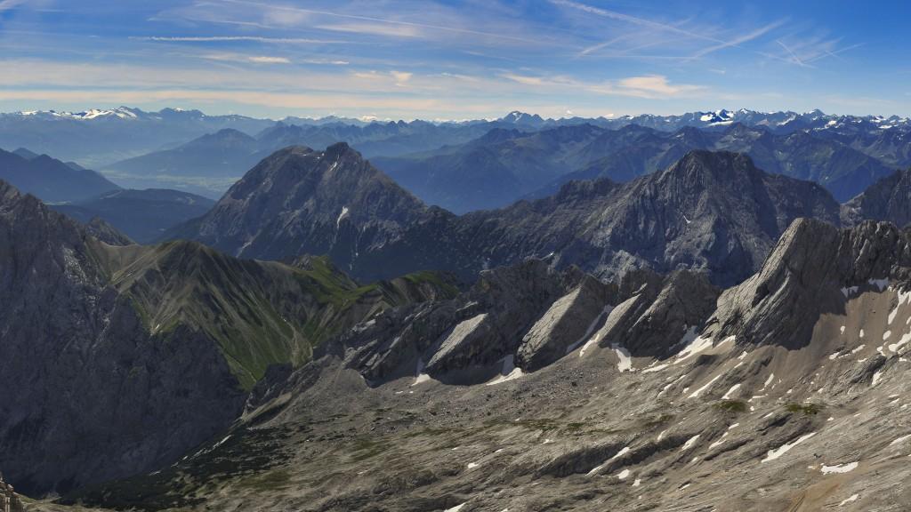 Zugspitzblick über die Mieminger Berge