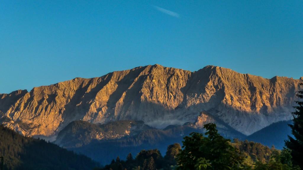 Das Wetterstein von Garmisch aus gesehen. Abendsonne