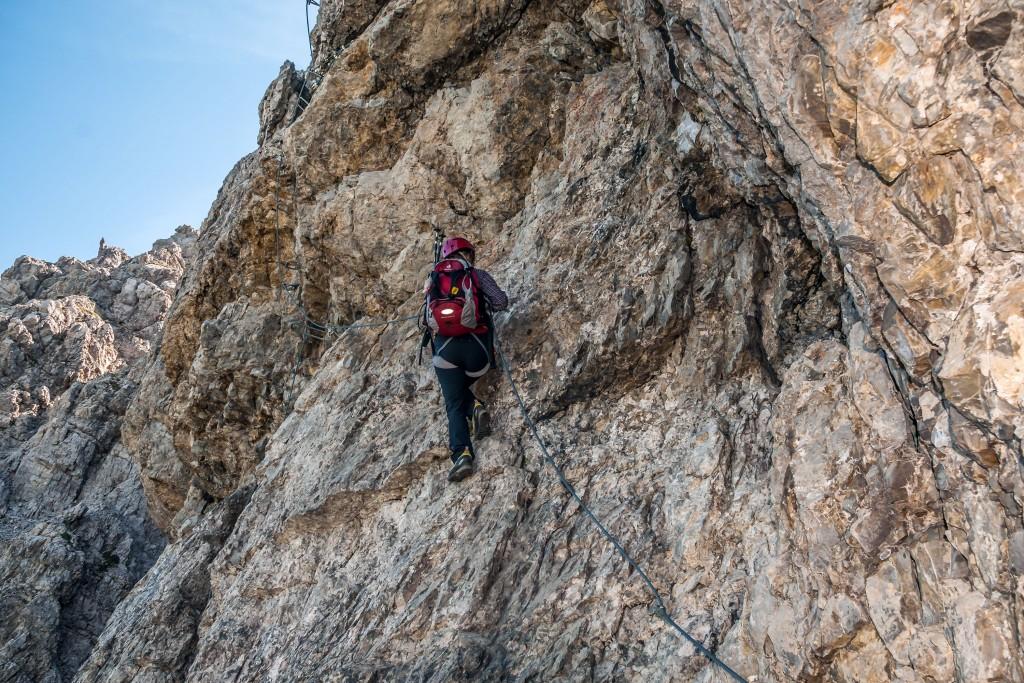 Elke im Lachenspitze-Klettersteig 2