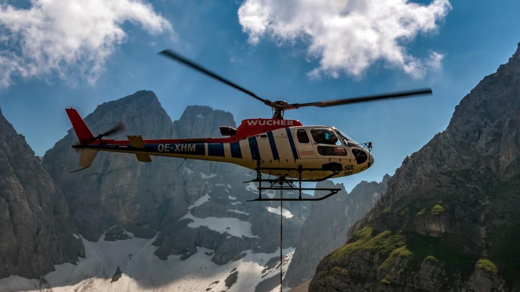 Hubschrauber bei der Coburger Hütte Hersteller: Eurocopter. Helikoptertyp: AS 350 B3 Ecureuil