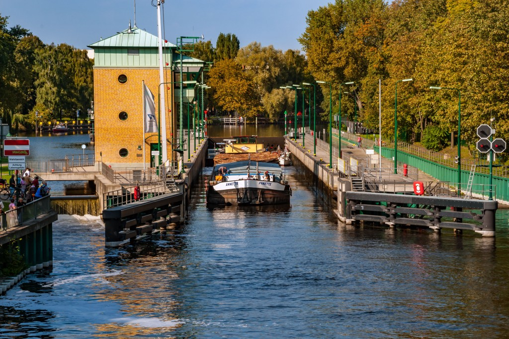 Schleuse Spandau - Havel