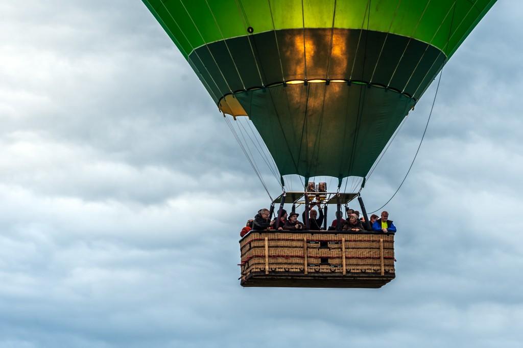 Heißluftballon: Im Korb