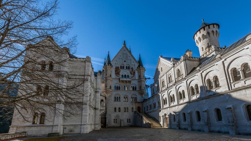 Im Schlossinnenhof vom Schloss Neuschwanstein