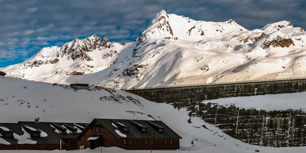Unter der Staumauer Madlenerhaus in der Silvretta