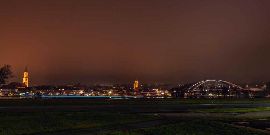 Vilshofen an der Donau bei Nacht