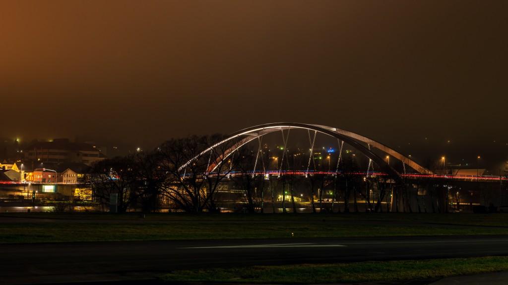 Vilshofen an der Donau bei Nacht: Marienbrücke