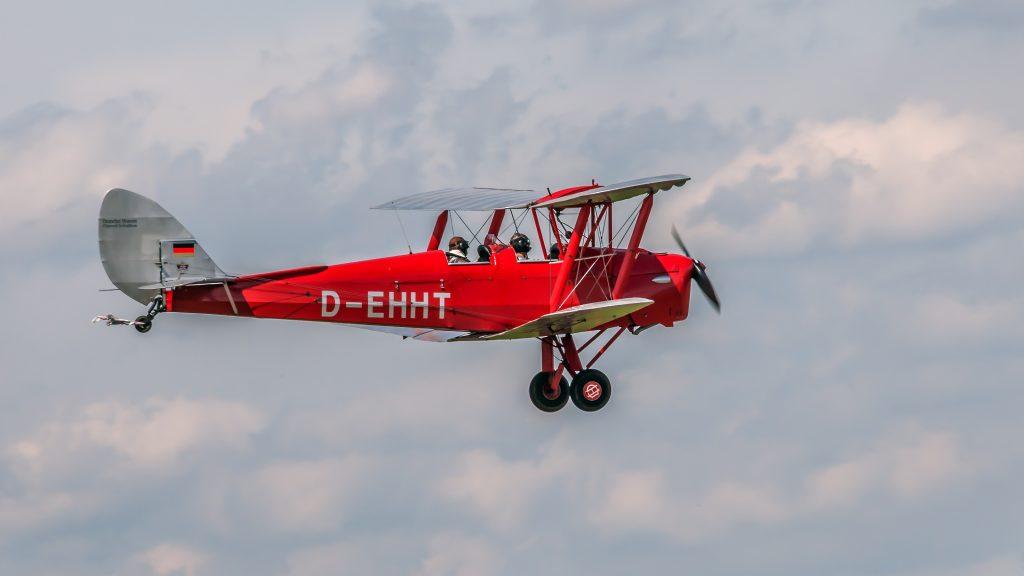 De Havilland DH-82 Tiger Moth (D-EHHT) Flugtag auf Flugplatz/Flugwerft Schleißheim