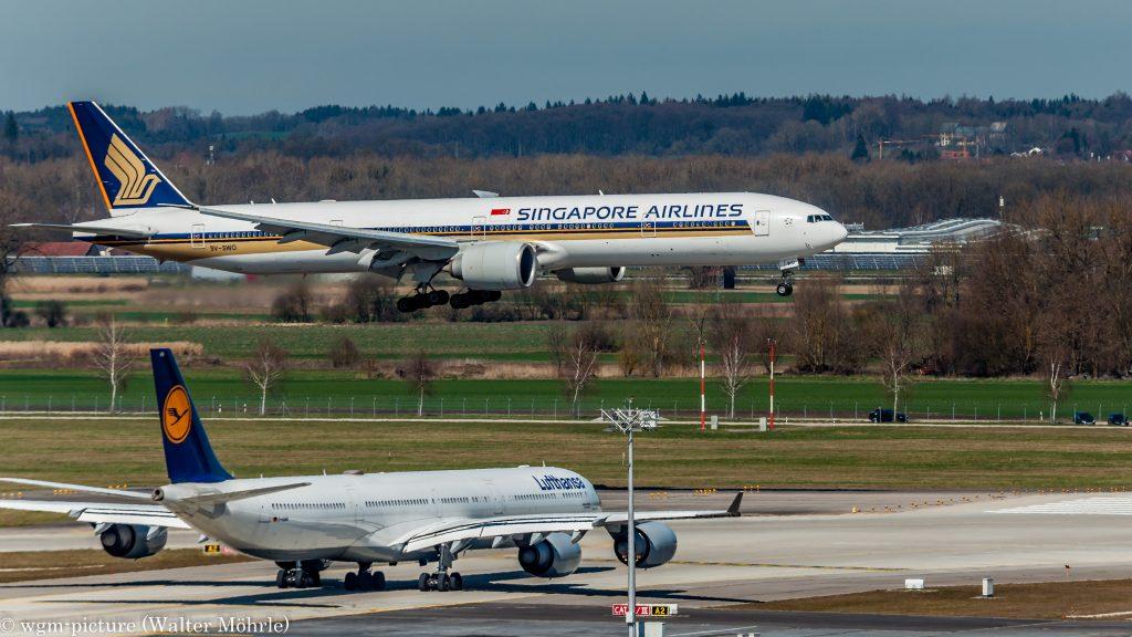Boeing 777-312(ER) (9V-SWO) der Singapore Airlines am Flughafen München