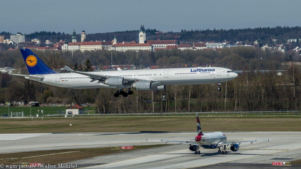 """Häuptling """"Rauchende Reifen"""" Airbus A340-642X (D-AIHW) der Lufthansa am Flughafen München"""