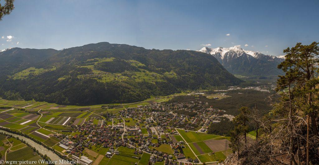 Panorama aus dem Geierwand-Klettersteig: ca. 350 m über dem Tal - am Ausstieg