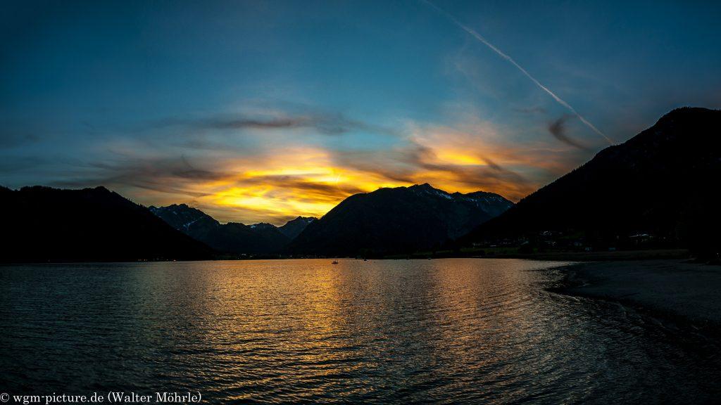 Sonnenuntergang am Achensee - Panorama