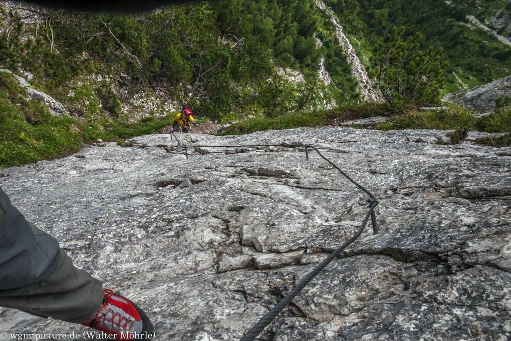 Blick nach unten Seeben Klettersteig in den Mieminger Bergen