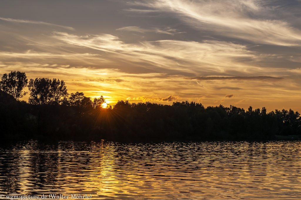 Sonnenuntergang am Karlsfelder See