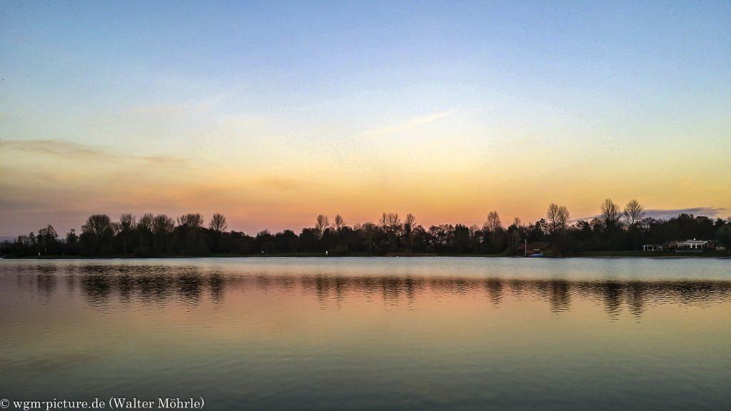 Novemberabend Abendidyll am See